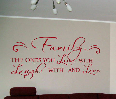 wandtattoos wandspr che wanddeko wandspruch family the ones you live with. Black Bedroom Furniture Sets. Home Design Ideas